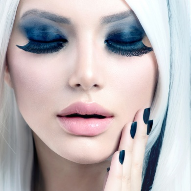 Beauty Fashion Girl black and white style. Smoky Eyes Makeup